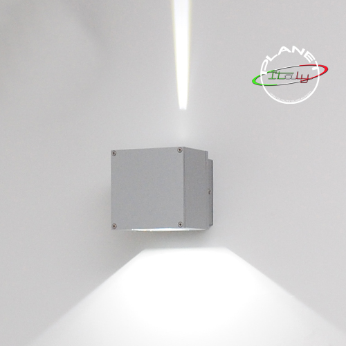 Applique lampada led per esterni illuminazione up and down ideale perimetro di immobili o decorativa a parete