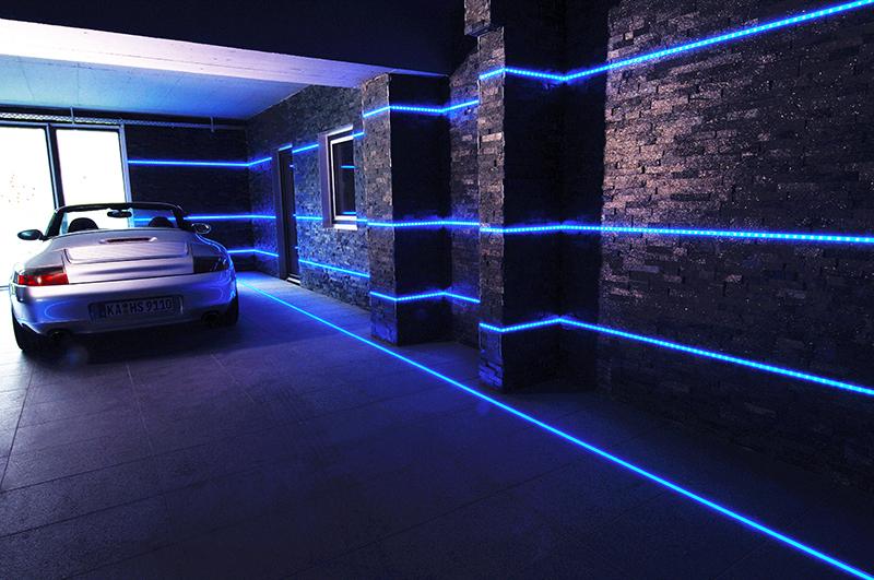 Plafoniere A Led Blu : Crossled: striscia strip led blu 300 colore luce blue 5 metri