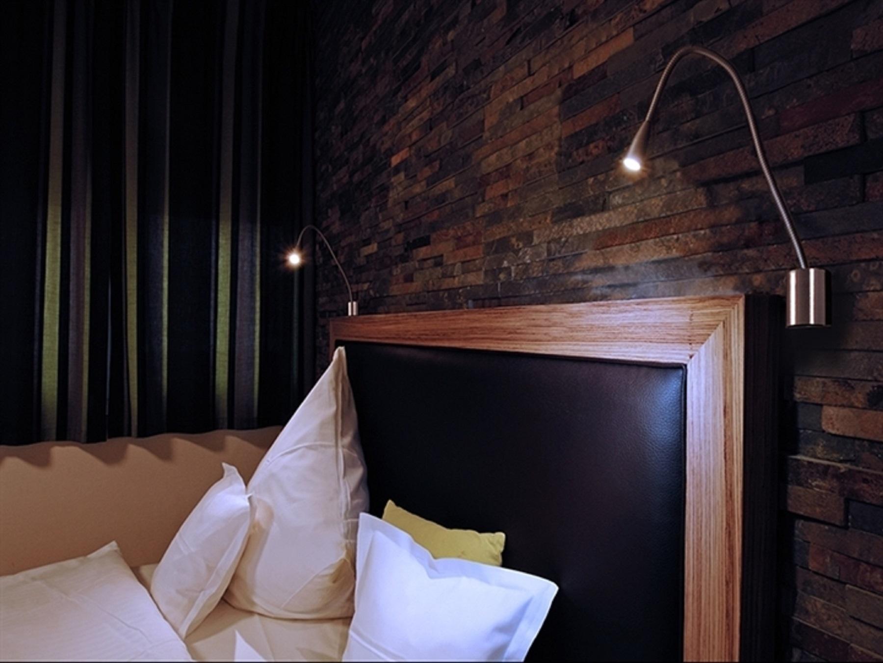 Lampada da lettura led braccio flessibile w luce calda applique